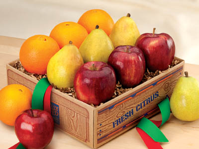 Orchard Sampler includes Navel Oranges, Tangerines, Red Delicious Apples and D'Anjou Pears